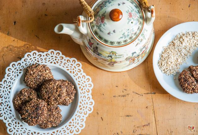 Receta de cookies veganas de avena algarroba
