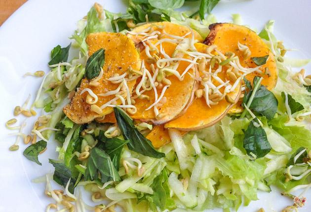 ensalada de calabaza germinados y albahaca recetas naturales