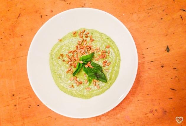 sopa crema crudivegana de zucchini receta alma verde blog