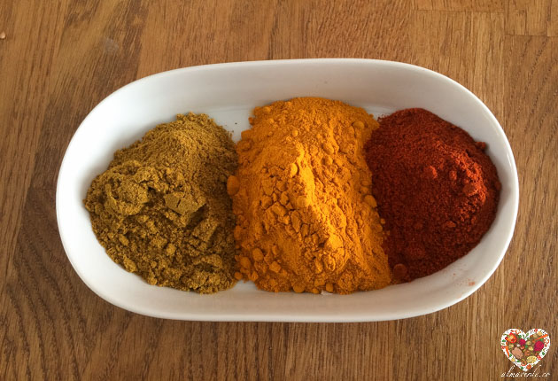 Curcuma, curry y pimentón especias indispensables en la cocina