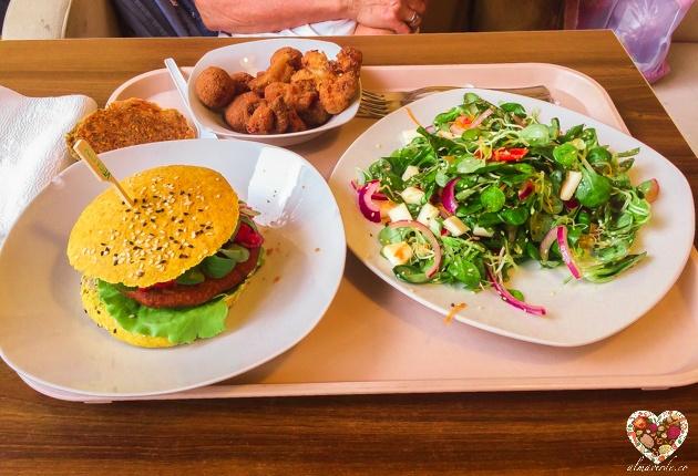 Tour por Budapest y sus restaurantes veganos vega city