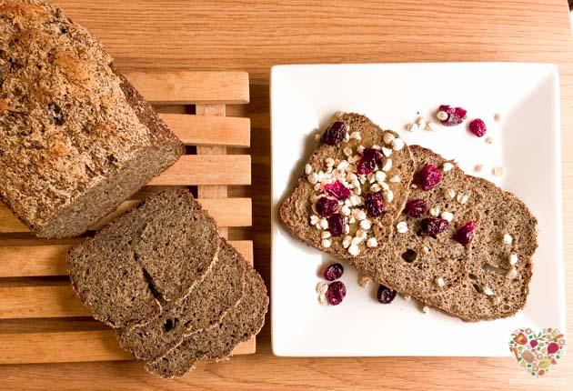 Pan de harina de trigo sarraceno y harina de maíz