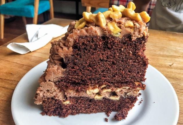 Pastel vegano de chocolate en el restaurante Vita Buenos Aires