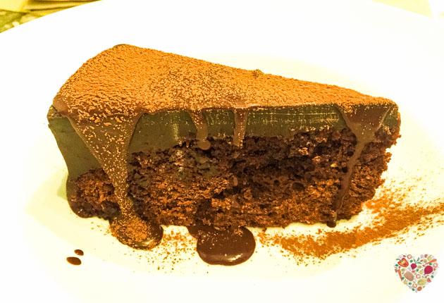 Tarta de chocolate vegana y sin azúcar